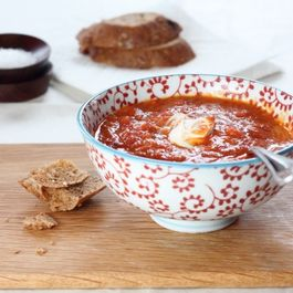 Fiery roasted tomato soup