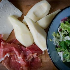 Goat cheese, pear and jamon iberico salad