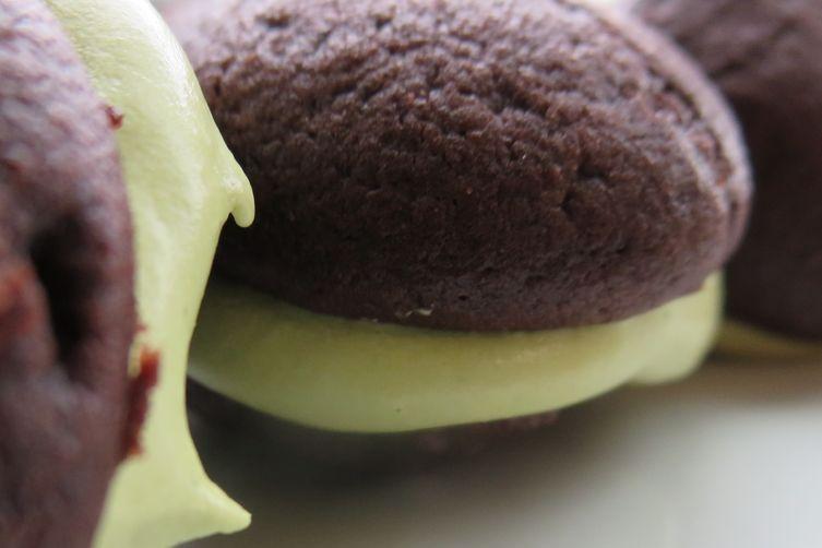 Matcha Whoopie Pies