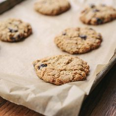 Almond-Oatmeal Cookies with Dried Cherries