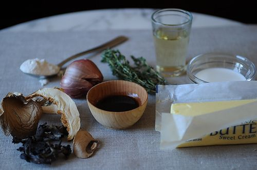 Vegetarian Mushroom Thyme Gravy