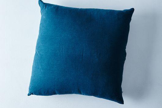"Stonewashed Linen Pillow, 22"" x 22"""