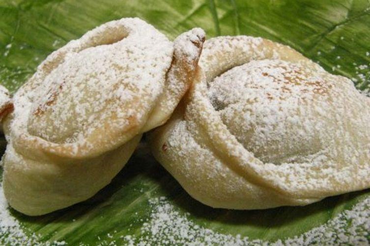 Celli Ripieni (Grape jam dumplings)