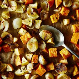 2eb3670c 8f47 4c1c 9548 b108f604df73  2014 1007 roasted sweet potato and apple with onions 009
