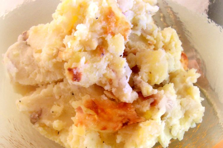 Cheddar and Garlic Smashed Potatoes