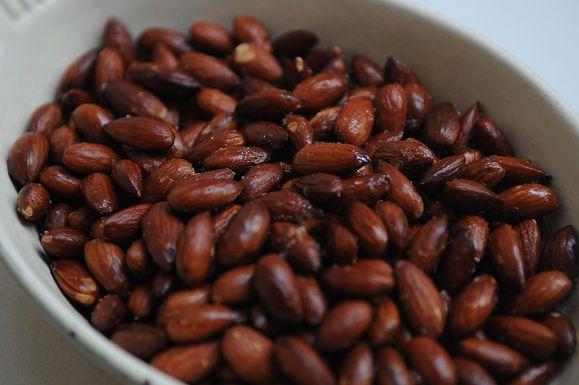 Ancho Chili-Cinnamon Chocolate Bark by wanderash