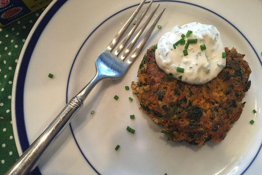 Salmon Spinach Cakes with Herb-y Mayo