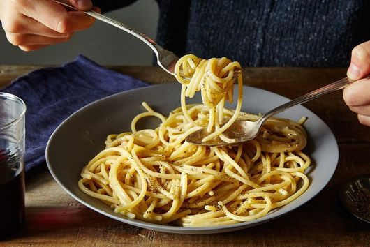 """The """"Simple"""" Roman Pasta That Stumps Even the Most Seasoned Chefs"""