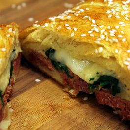 7f94634f-3100-4077-846f-5b7eac8654fc.corned_beef_spinach_and_swiss_cheese_braid_1