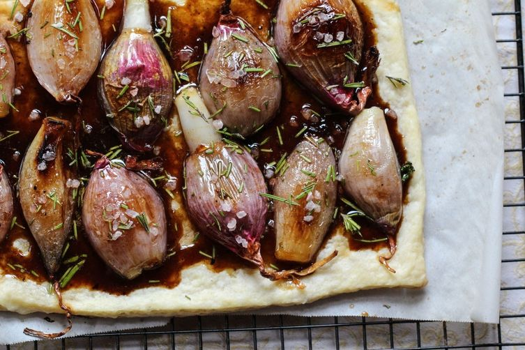 SHALLOT AND ROSEMARY PUFF TART DRIZZLED WITH A HONEY-BALSAMIC REDUCTION