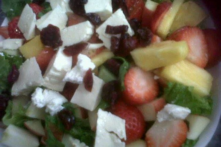 Green and fruits salad