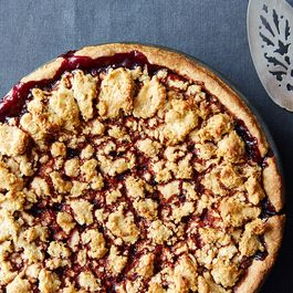 C234992e 2136 46a6 a6c8 59eaba8a65ee  blackberry pie with hazelnut crust food52 mark weinberg 14 08 12 0412