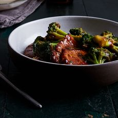 466eb000 caa2 4242 a4af 027d04c6ba00  2017 0906 pan fried pork chops scallions broccoli bobbi lin 1198