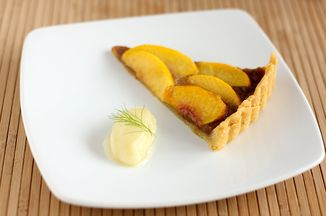 4888473d 7b94 4ce0 925c 1d2b5b0ecca5  peach pie tarte fennel ice cream