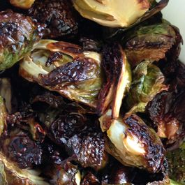 Roasted Brussels Sprouts with Spicy Sauce