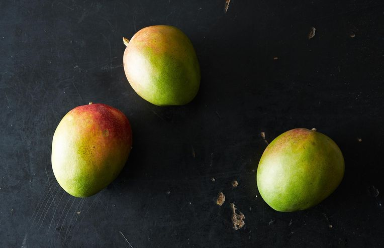 The Mango Cutting Video We Can't Stop Watching
