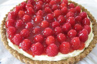 Dcefc1f7 e177 4506 bda4 e3cb769c7036  raspberry tart