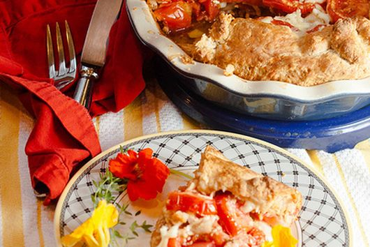 Homey Tomato Cheddar Pie