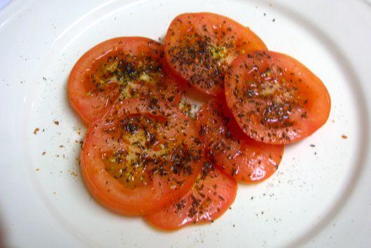 mummy's yummy tomato salad