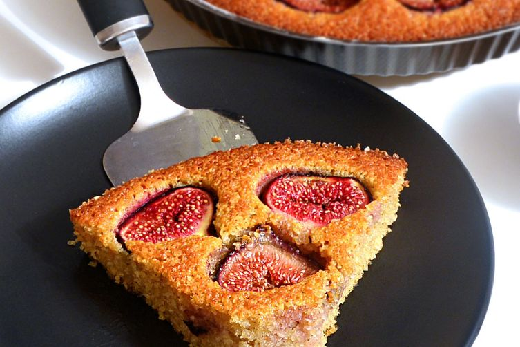 Fig And Coconut Cake : Best Tea Time Delight For The Fall.