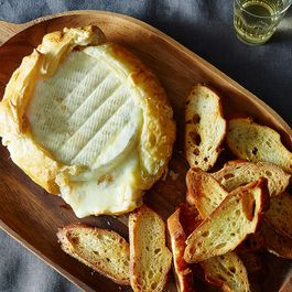 How to Make Baked Brie Without a Recipe