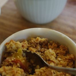 Almond, peach and quinoa crumble