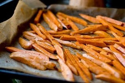 Sweet and Spicy Sweet Potato Fries with Garlic Lime Dipping Sauce