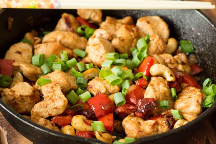 Paleo-Friendly Cashew Chicken