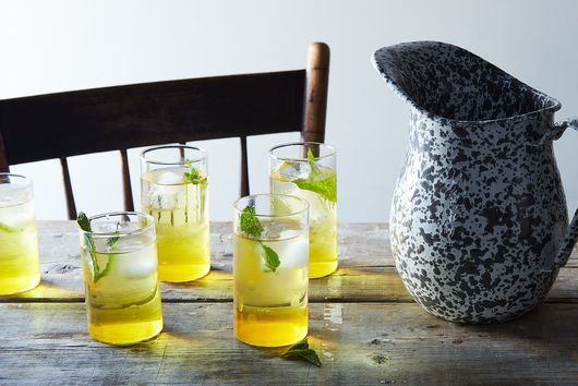 How to Make Delicious No-Booze Drinks All Summer Long