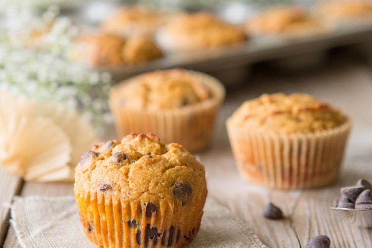 Paleo Pumpkin Chocolate Chip Muffins