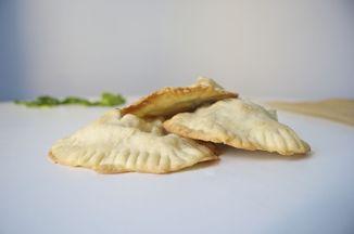 21332e89 6457 4c6a 83d6 63a54434a5f7  spinach feta pockets fried parsley 11