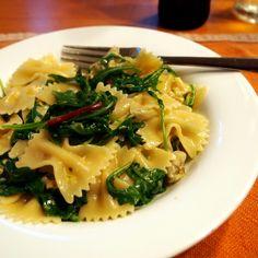 Artichoke and arugula pasta