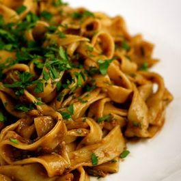 Fettuccine with Roasted Garlic Sauce