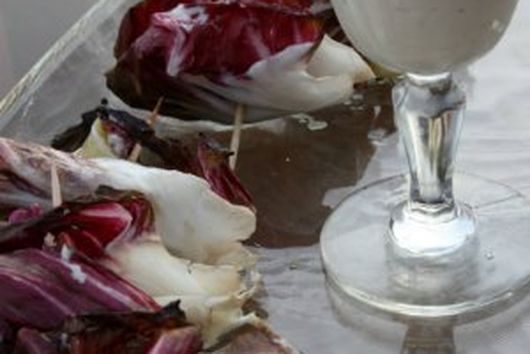 Summertime Steak and Brie Bites with Zippy Horseradish Mayonnaise Dipping Sauce