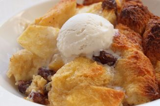 C07a22f4-0ce6-4842-ac57-944816958684.apple_raisin_bread_pudding_12