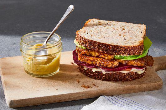 Crispy Tempeh Sandwich With Avocado & Beets