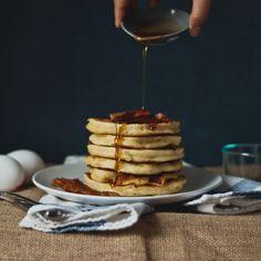 """Bacon """"Buttermilk"""" (Greek Yogurt) Pancakes"""