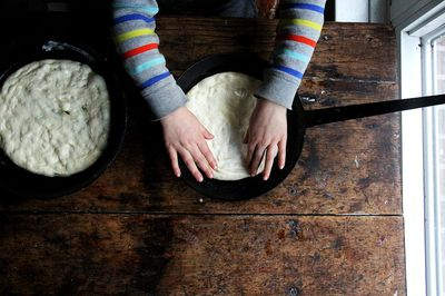 5d8ad2e2 1f41 42ec 9ae0 1777f0fee640  stretchingthedough The Keys to Pizza Making with Kids, from a Pizza Night Pro