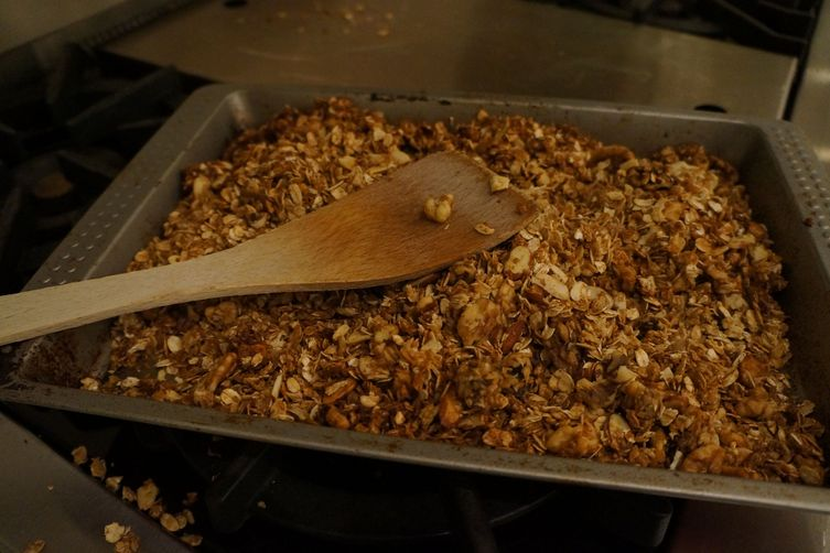 Isobel's Nutty Granola
