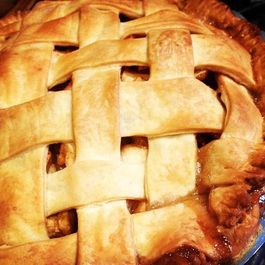 A7e4fa21-dbb8-48e9-a1eb-aaec6356ffb7.fancy_apple_pie