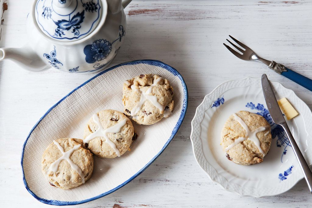 How to Make Hot Cross Biscuits