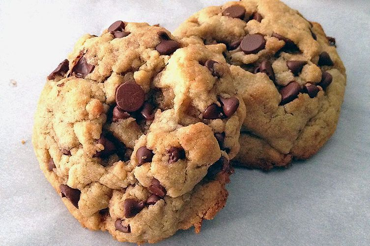 Roasted Walnut Oil Chocolate Chip Cookies