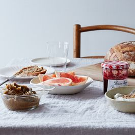 A Not-Nutella French Spread for Oatmeal, Toasts, Yogurt, Etc. Etc. Etc.