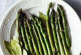 E36de73a f00a 47b0 85de fa586c9d8ad4  2014 0415 genius braised asparagus 047