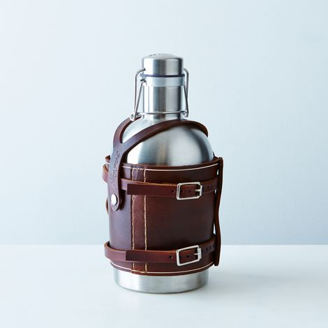 Bicycle-Mounted Growler Holder and Stainless Steel Growler