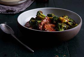 A79ee1bc 2c1d 4541 bdf8 8742d0a829c4  2017 0906 pan fried pork chops scallions broccoli bobbi lin 1198