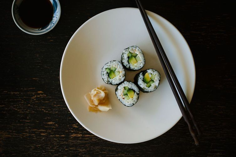 The 5 Tools You Need for Making Sushi at Home