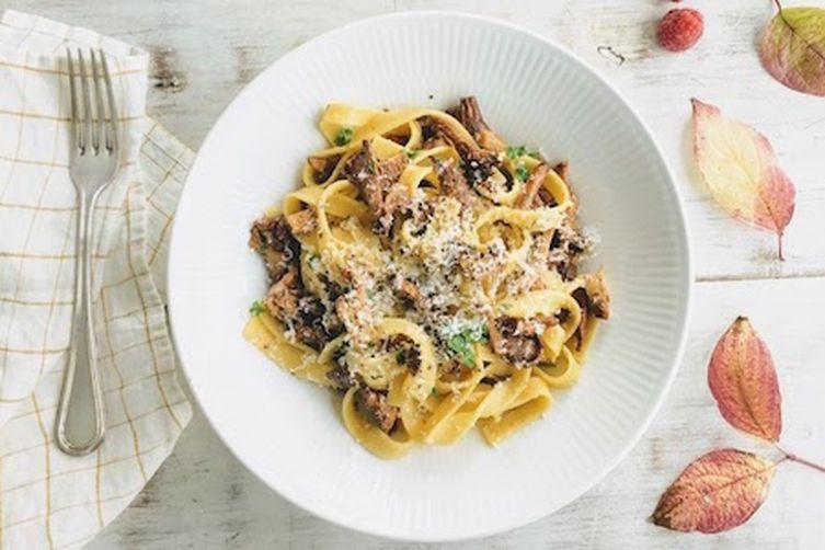 Italian Mountain – Style Fresh Tagliatelle with Chanterelle Mushrooms