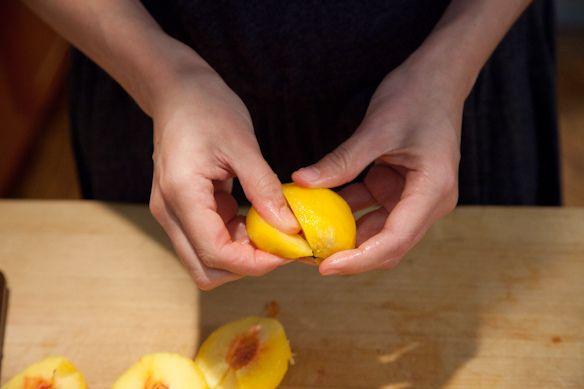 segmenting a peach
