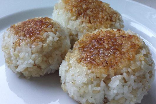 "Japanese Tuna Grilled Rice Balls (""ツナ""焼きおにぎり - Tuna Yaki Onigiri)"